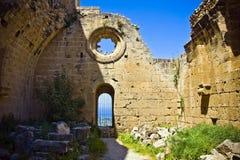 Abadía de Bellapais en Chipre septentrional Fotos de archivo