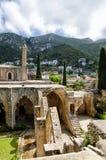 Abadía de Bellapais en el monasterio septentrional de Chipre - de Bellapais - señales de Chipre Imágenes de archivo libres de regalías