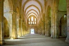 Abadía de Fontenay, Borgoña, Francia El interior de la abadía cisterciense famosa de Fontenay, un patrimonio mundial de la UNESCO Imagen de archivo libre de regalías