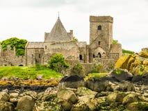 Abadía de Inchcolm en el brazo de mar de adelante Edimburgo, Escocia Fotos de archivo