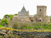 Abadía de Inchcolm en el brazo de mar de adelante Edimburgo, Escocia Fotos de archivo libres de regalías