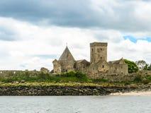 Abadía de Inchcolm en el brazo de mar de adelante Edimburgo, Escocia Fotografía de archivo libre de regalías