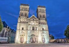 Abadía de las mujeres en Caen, Francia Opinión de la noche Imágenes de archivo libres de regalías