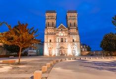 Abadía de las mujeres en Caen, Francia Opinión de la noche Foto de archivo libre de regalías