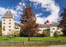 Abadía de Millstatt en la caída Millstatt, Austria Imagen de archivo libre de regalías