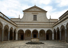 Abadía de Montecassino del benedictino destruida bombardeando en la Segunda Guerra Mundial Imagenes de archivo