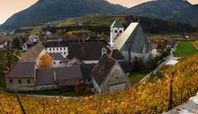 Abadía de Novacella, el Tyrol del sur, Bressanone, Italia El monasterio regular de los canones agustinos de Neustift Imagen de archivo libre de regalías