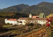Abadía de Novacella, el Tyrol del sur, Bressanone, Italia El monasterio regular de los canones agustinos de Neustift Imagen de archivo