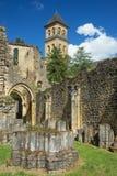 Abadía de Orval, ruinas y torre de iglesia Foto de archivo
