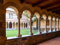 Abadía de Piona, del patio interior y del claustro Imagen de archivo libre de regalías