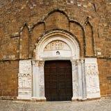 Abadía de San Giovanni en Venere en Fossacesia (Italia) Foto de archivo