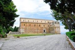 Abadía de San Giovanni en Venere en Fossacesia (Italia) Fotografía de archivo