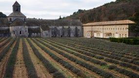 Abadía de Senanque cerca de Gordes, Francia Imagenes de archivo