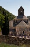 Abadía de Senanque en la región de Provence en Francia en la posición vertical Foto de archivo