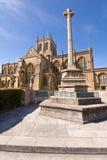 Abadía de Sherborne y monumento de la guerra Imagenes de archivo