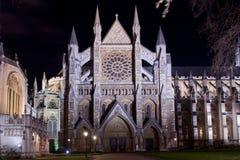 Abadía de Westminster iluminada por noche Foto de archivo