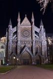 Abadía de Westminster iluminada por noche Foto de archivo libre de regalías