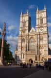Abadía de Westminster y columna Londres Reino Unido Fotos de archivo
