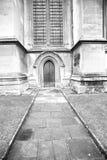 abadía del weinstmister de la ventana color de rosa en puerta vieja de la iglesia de Londres y el mA Fotos de archivo