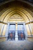 abadía del weinstmister de la ventana color de rosa en puerta vieja de la iglesia de Londres y el mA Imagen de archivo libre de regalías