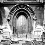 abadía del weinstmister en puerta de la iglesia de Londres y antigüedad viejas del mármol Fotos de archivo libres de regalías