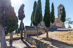 Abadía en la montaña, España, Aragón Imagenes de archivo