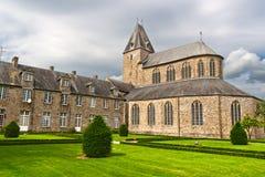 Abadía en Lonlay L'Abbaye, Normandía Fotografía de archivo libre de regalías