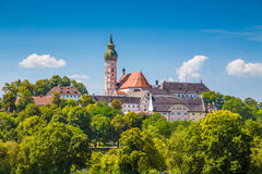 Abadía famosa en verano, distrito de Andechs de Starnberg, Baviera, Alemania Fotos de archivo libres de regalías