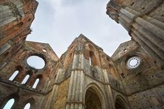 Abadía gótica vieja - abadía de San Galgano, Toscana, Italia Fotografía de archivo libre de regalías