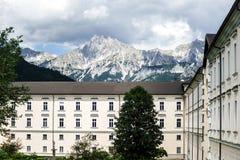Abadía grande buiilding en las montañas austríacas Fotografía de archivo libre de regalías