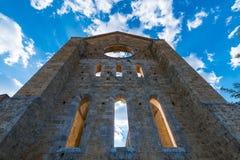 Abadía medieval de San Galgano a partir del siglo XIII, cerca de Siena, Tus Imagen de archivo libre de regalías