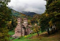 Abadía medieval vieja en Murbach, Alsacia, colores del otoño Fotografía de archivo