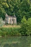 Abadía pintoresca de Fontaine Guérard de Radepont en Normandie Foto de archivo libre de regalías