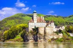 abadía vieja en Danubio Fotografía de archivo