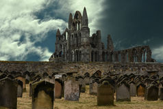 Abadía y cementerio de Whitby Imagenes de archivo