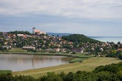 Abadía y lagos Fotos de archivo libres de regalías
