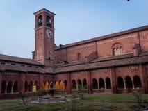 A abadia de Chiaravalle em Milão imagens de stock
