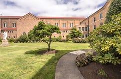 A abadia no Mt Angel Oregon imagens de stock