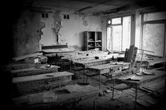 Abadndonedklaslokaal bij de streek van Schoolchornobyl Royalty-vrije Stock Foto's