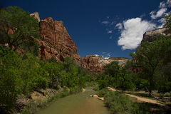 Abaissez Emerald Pool Trail L Images stock