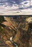 Abaissez l'automne et la rivière vus de l'artiste Point, Grand Canyon à Y Photo stock