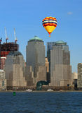 abaissez l'horizon de Manhattan Photos stock