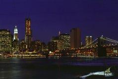 Abaissez la nuit de Manhattan New York de côté est Photographie stock libre de droits