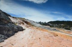 Abaissez la région de terrasses, source thermale gigantesque, Wyoming, Etats-Unis images libres de droits