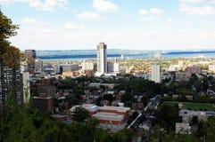 Abaissez la ville de Hamilton, Canada Images stock