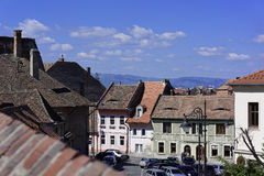 Abaissez la vue de Sibiu Roumanie de ville du St de Centumvirilor de dos de chien aka Image libre de droits