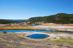 Abaissez le bassin de geyser Images libres de droits