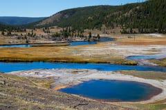 Abaissez le bassin de geyser Images stock