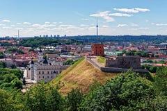 Abaissez le château et la tour de Vilnius Lithuanie Photographie stock libre de droits