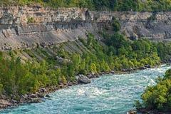 Abaissez le fleuve de Niagara, Ontario Canada Photographie stock libre de droits